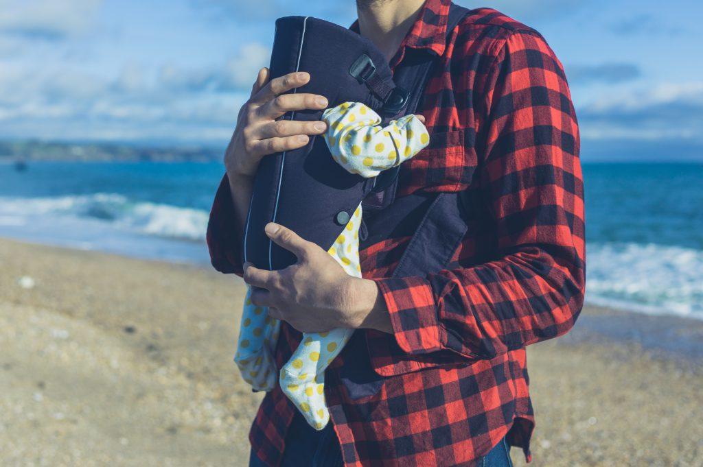 Let en travl hverdag som far med en bæresele